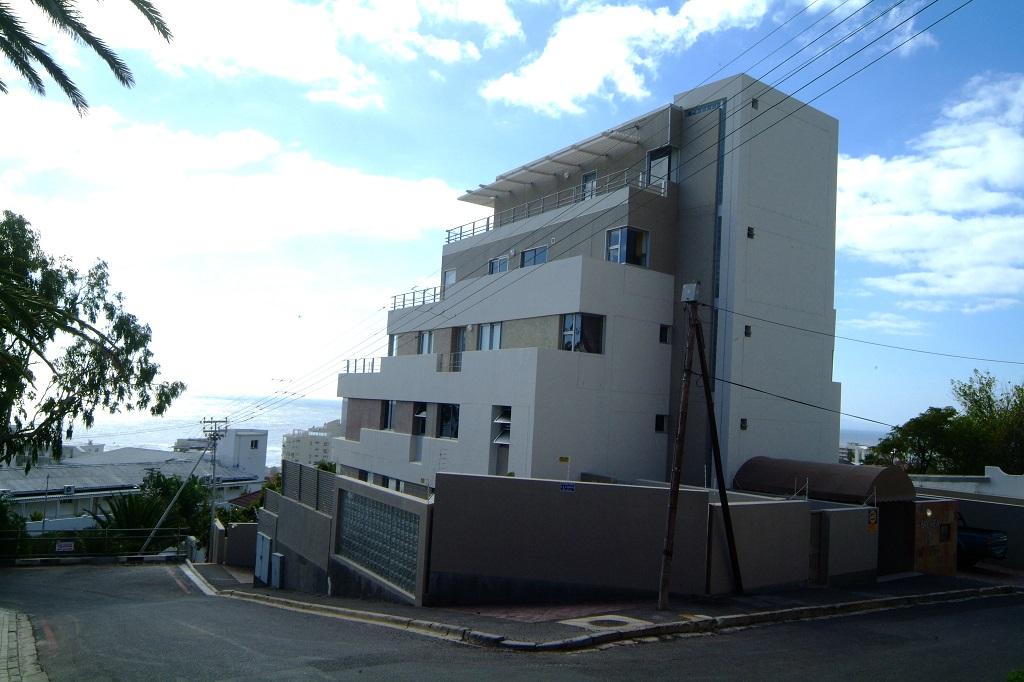 Bantry Bay Apartments02